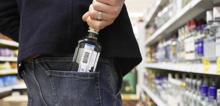 В Пинске мужчина с ножом ограбил магазин: потом сказал, что им овладело желание