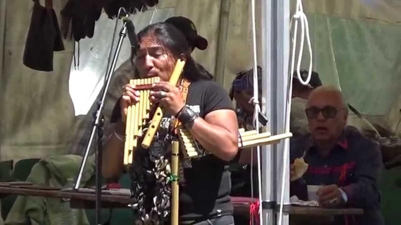 Luis Cordova 'RAZA INKA' * Inkas Wambra * POW WOW Ornans 2015