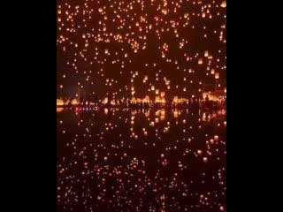 Вот так проходят фестивали фонарей в Таиланде. Выглядит круто
