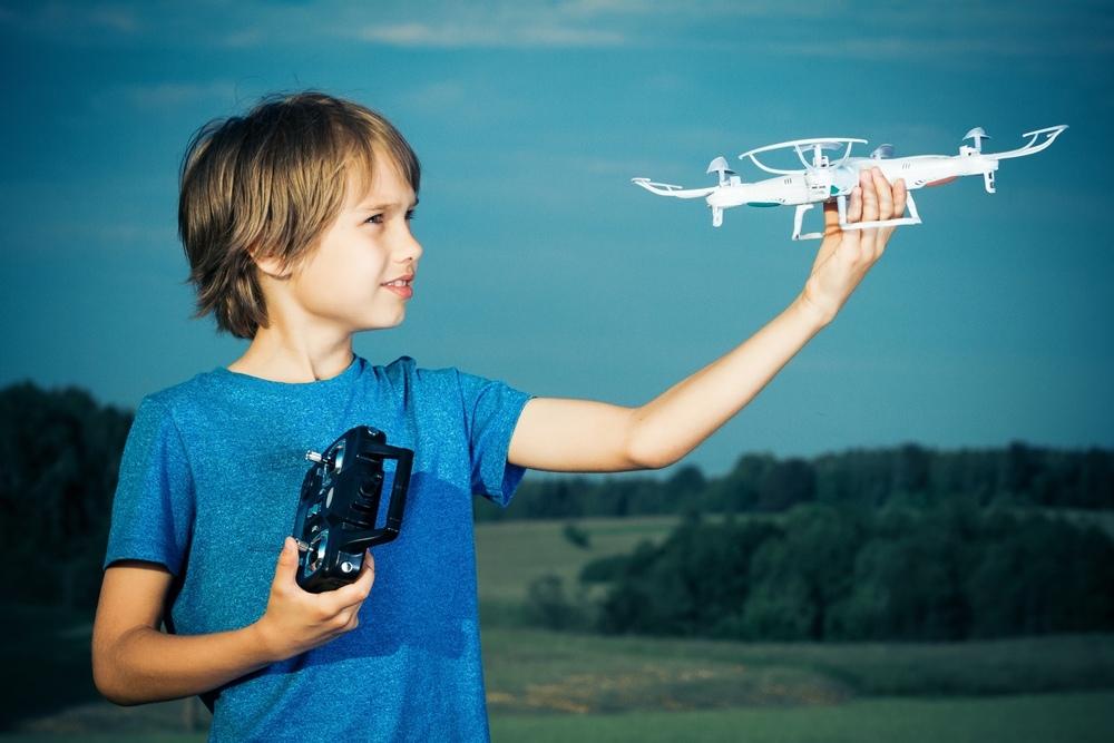 Можно ли использовать квадрокоптеры детям