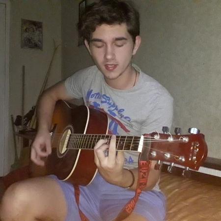 Тот парень с гитарой on Instagram @punkmovies прости прощай привет Не судите строго только долечиваю горло😊 кавер кавера каверап рок пф c
