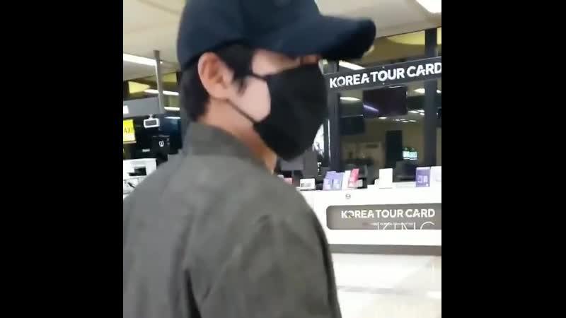 2020 02 23 Kim Hyun Joong arriving at Gimpo International Airport coming from Japan