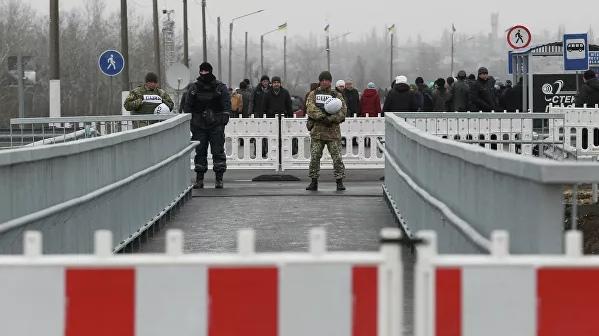 Зеленский анонсировал открытие моста в Станице Луганской через два-три дня