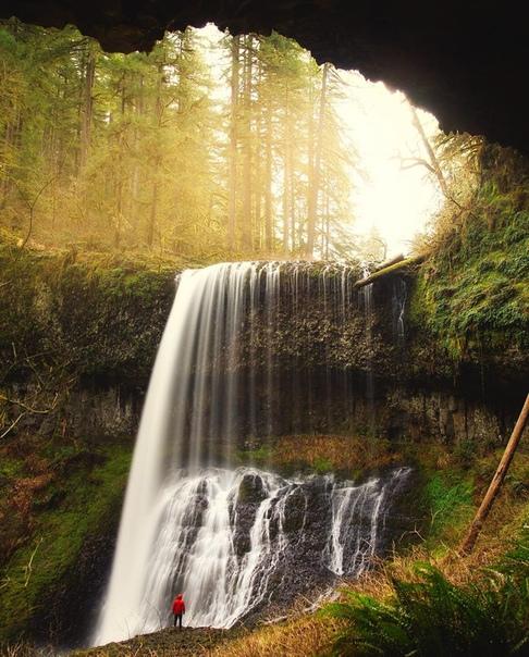 Эпический водопад в самом сердце штата Вашингтон (США)