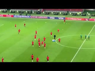 The reds are out to warm up, this is going to be some occasion. livfla clubwc