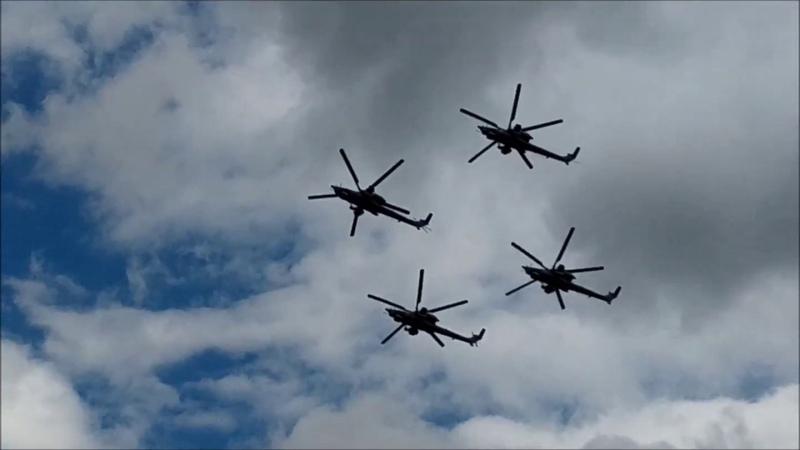 Пилотажная группа Беркуты на вертолетах МИ 28Н Ночной охотник Одна машина стоит 1 5 млрд рублей