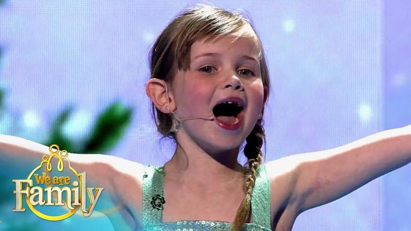 5-jarige Fay zingt Let It Go uit FROZEN   We Are Family 2015   SBS6