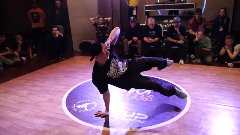 Semifinal pro 1x1 bboy ElectroStyle vs MA Иркутск брейкданс батл WINTER WARS 2020