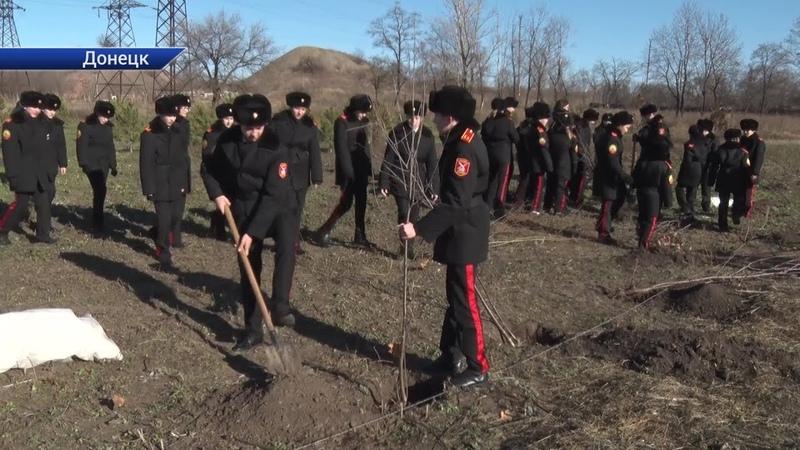 Парк имени Первого Главы ДНР Александра Захарченко продолжает благоустраиваться