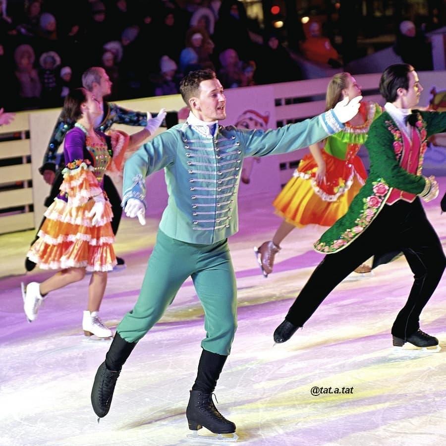 Ледовые шоу-6 - Страница 42 QmhuEFsaKFM