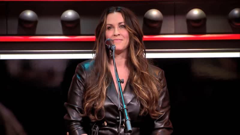 Alanis Morissette Smiling Live @ DWDD 25 02 2020