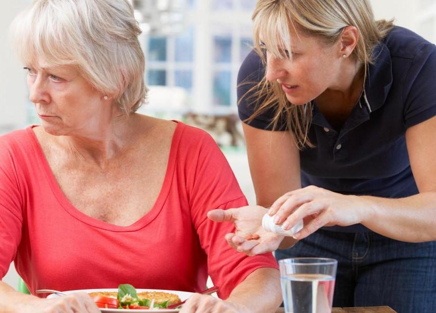 Деменция и другие когнитивные расстройства нарушают способность мозга обрабатывать и хранить информацию.