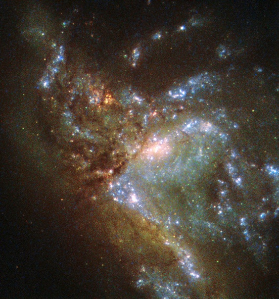 Как сталкиваются галактики: фото «Хаббла»
