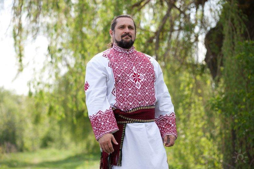 остался один фото славянских мужиков выполнены материалов