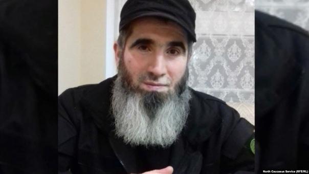 Муслим Чеберлоевский Командир чеченского батальона имени шейха Мансура под позывным Муслим Чеберлоевский не избегает встреч с журналистами, но поймать его в Киеве большая удача, он все время в