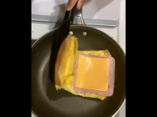 Отличная идея для завтрака ()