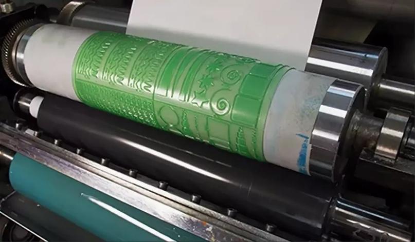 Коробки с логотипом - нанесение цветной печати при изготовлении картонных коробок на заказ., изображение №7