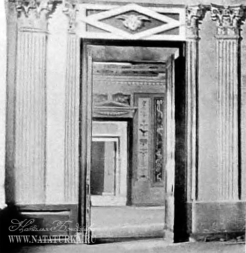 Усадьба Самуйлово. Архитектор Жан Тома де Томон бежал в Россию, потому что не мог вернуться в родную Францию из-за вспыхнувшей в 1789 году революции. На новой родине он запомнился тем, что