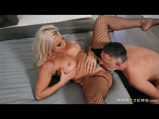 Robbin Banx - Streetwalking Seduction - Porno, MILF Big Tits Big Ass Blowjob Blonde Tatoo Hardcore