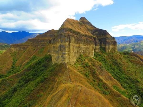 Остатки древней неизвестной цивилизации в эквадорских джунглях.