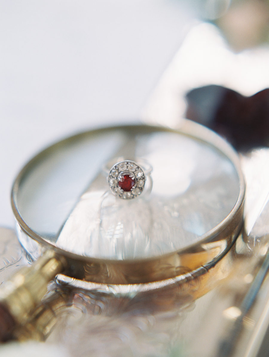 kK uGbqeF5o - Обручальные кольца в стиле Арт деко
