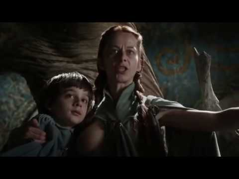 Robin Arryn and Lysa Tully Breastfeeding Game of Thrones HBO