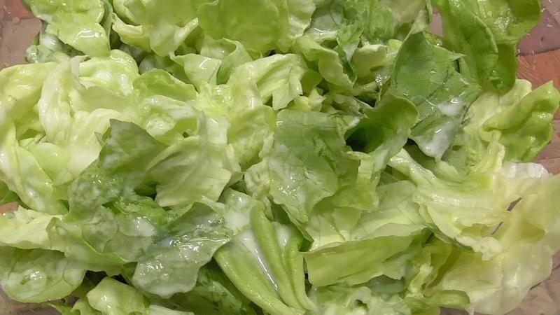 Salat mit Sahne-Sauce - nach Mamas Art