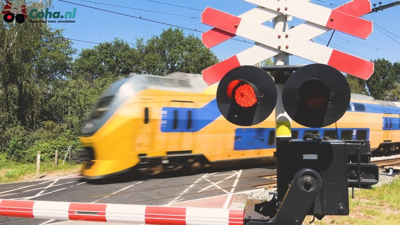 Spoorwegovergang Sint Joost 😍4K😍 Dutch railroad crossing