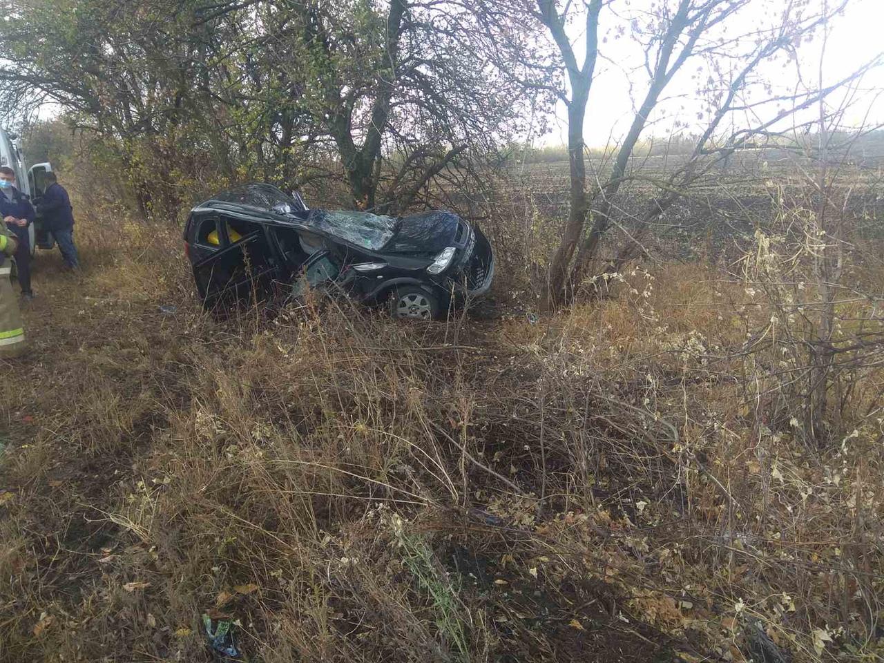 В результате ДТП погибли водитель и пассажир авто