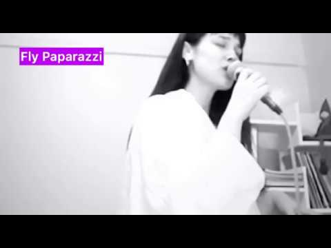 Ünlü oyuncu Pınar Deniz'den Sezen Aksu şarkıları canlı performansı