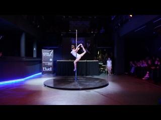 Детская акробатика на пилоне | Евгения Новоселова