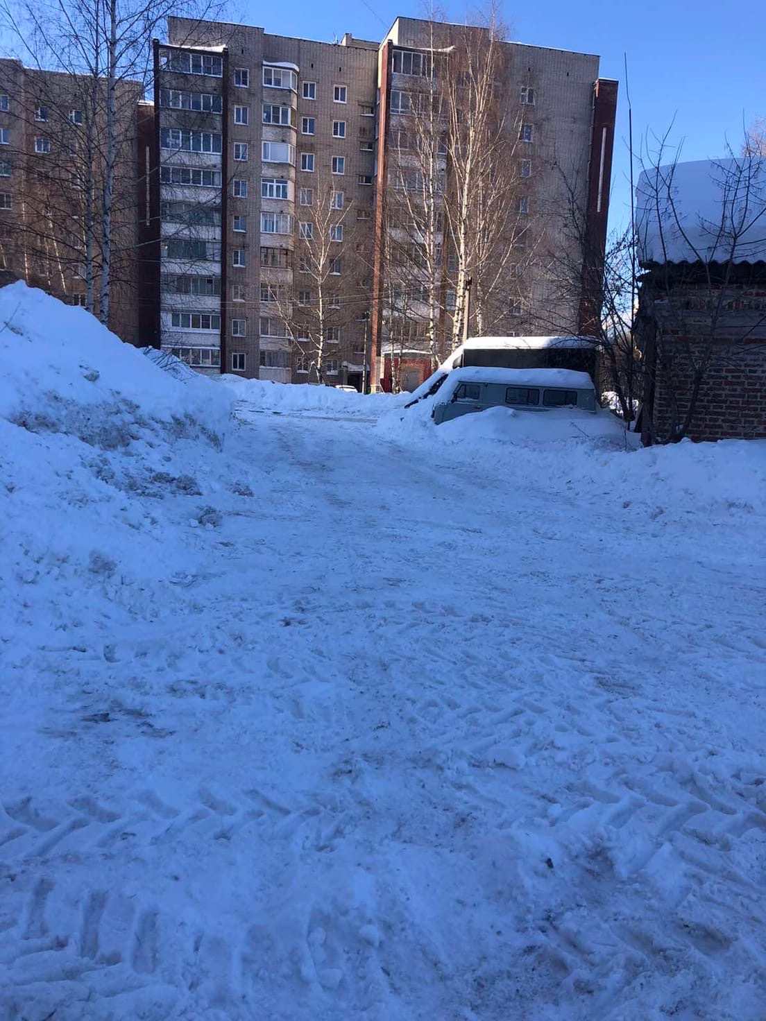 Улица Московская дом 101 чистка парковочных мест