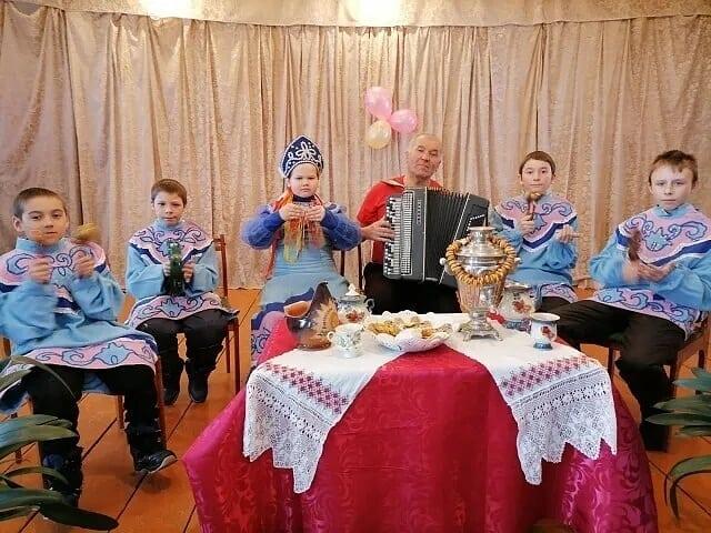 В домах культуры сёл Петровского района проводятся тематические мероприятия, посвящённые национальным традициям и праздникам