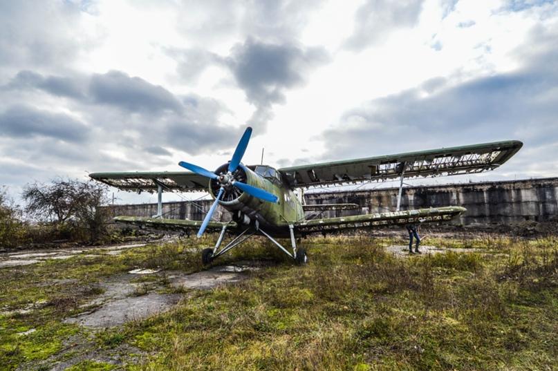 АН-2 на аэродром Девау.