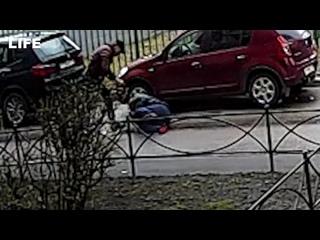 Чиновники избили мужчину из-за неправильной парковки?