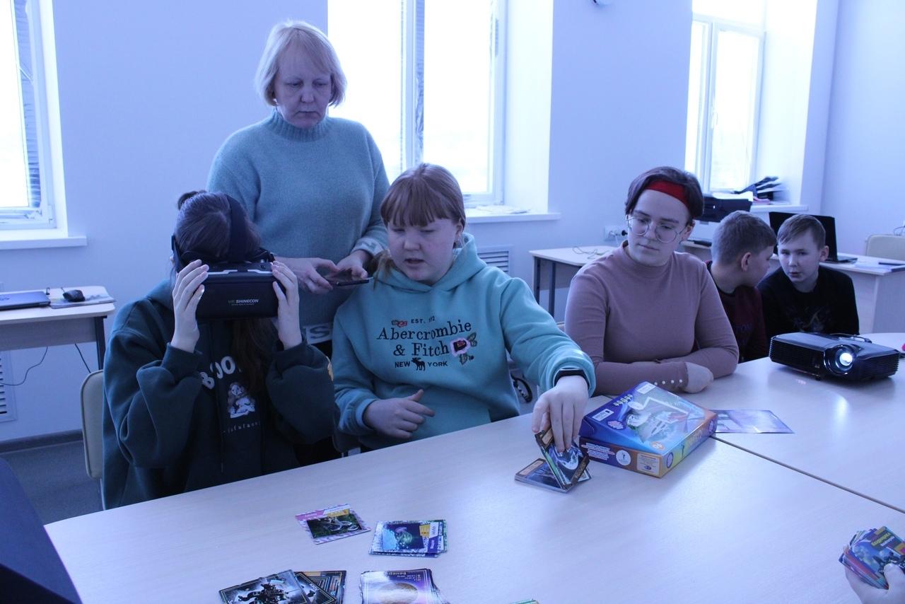 Воспитанники Центра «Точка роста» осваивают работу в виртуальной и дополненной реальностях
