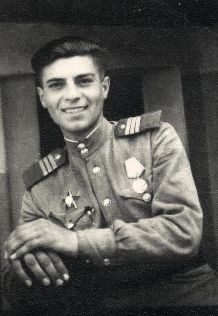 21 октября 1923 г. родился Михаил Ильич Бушнов.