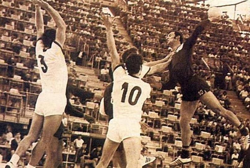 Титаны игры. Георге Груя. Белый Пеле из Румынии, научивший гандболу мексиканцев, изображение №11
