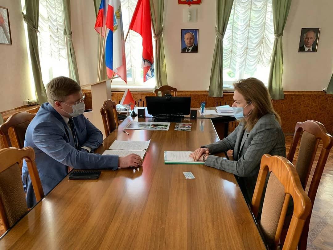 Глава Петровского района провёл рабочую встречу с региональным уполномоченным по правам человека
