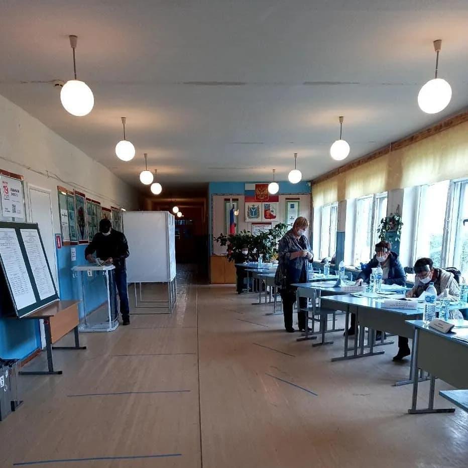 По данным на 10 часов 19 сентября, в Петровском районе в голосовании приняло участие 12 743 избирателя, явка составляет 41,12 процента