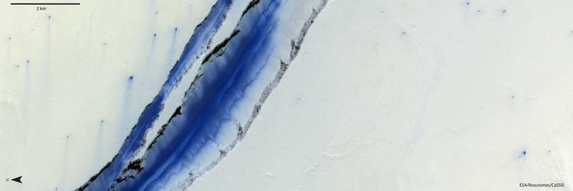 Зонд TGO «заглянул» в трещину на Марсе