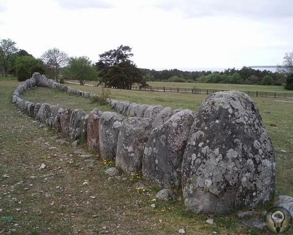 Каменные корабли Швеции На территории нашей планеты очень много мегалитов. Есть они и в Америке, и в России. Но так ли много подобных строений на территории Европы Например, в Швеции Да их там