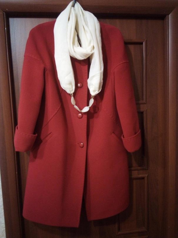 Красное пальто.Очень красивое.Цвет | Объявления Орска и Новотроицка №29014