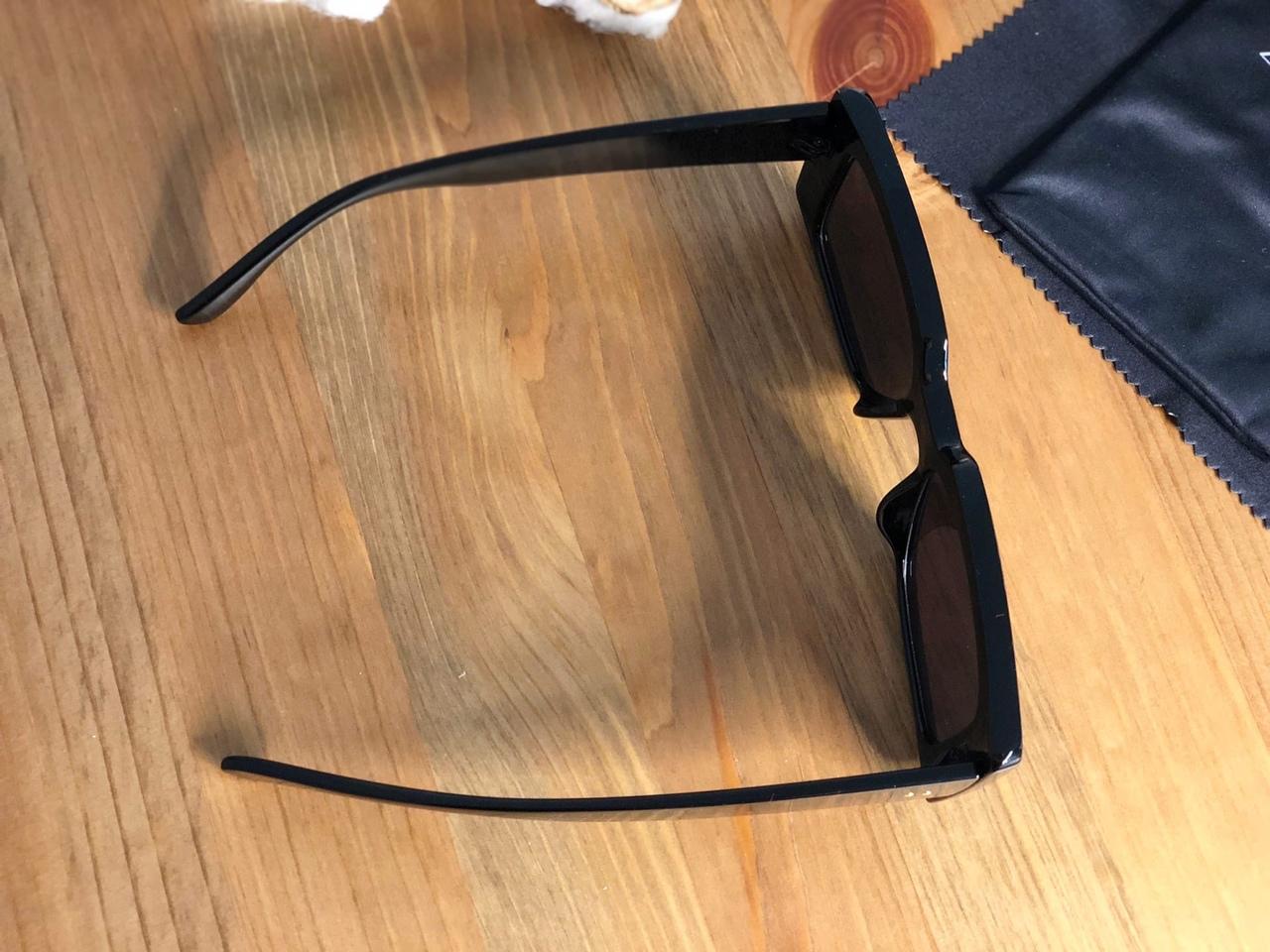 ◾Еще одни солнцезащитные очки