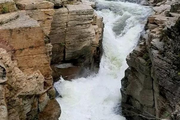Турист из Уссурийска утонул в водопаде в националь...