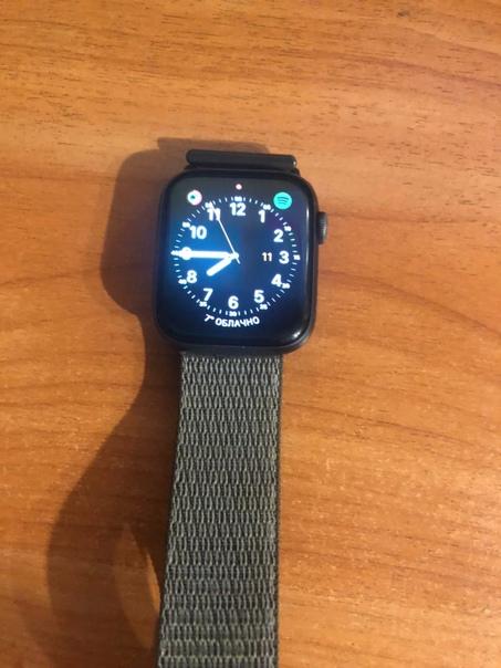 Продам Apple Watch 4 44mm, в хорошем состоянии, до...