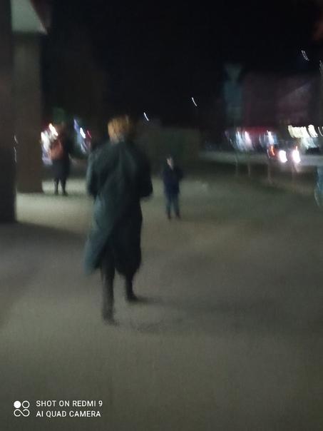 Понравился мальчик, шёл от вокзала примерно в 19 2...