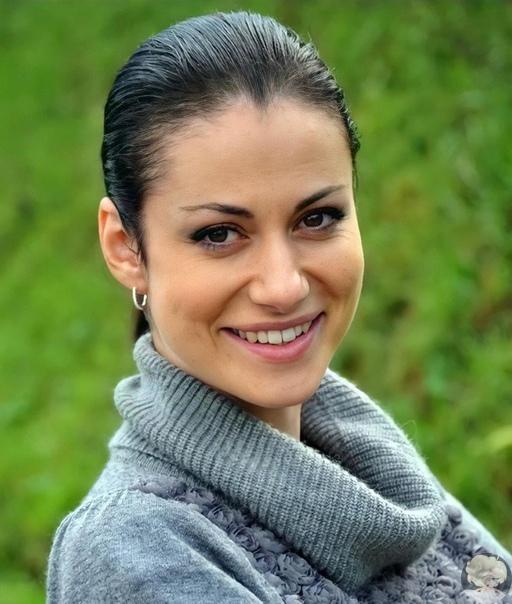 Одна из самых красивых, как считают многие ее поклонники, российских актрис театра и кино - Анна Ковальчук