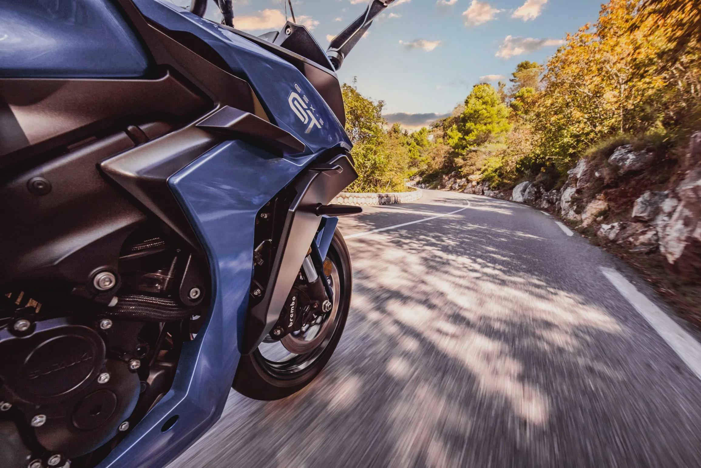 Главный козырь Suzuki GSX-S1000 2022 - цена