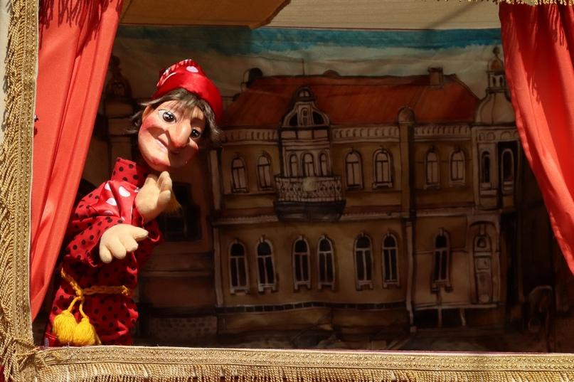 Спектакль «Ай да Петрушка или весёлая ярмарка!» Приморского краевого театра кукол (Владивосток)